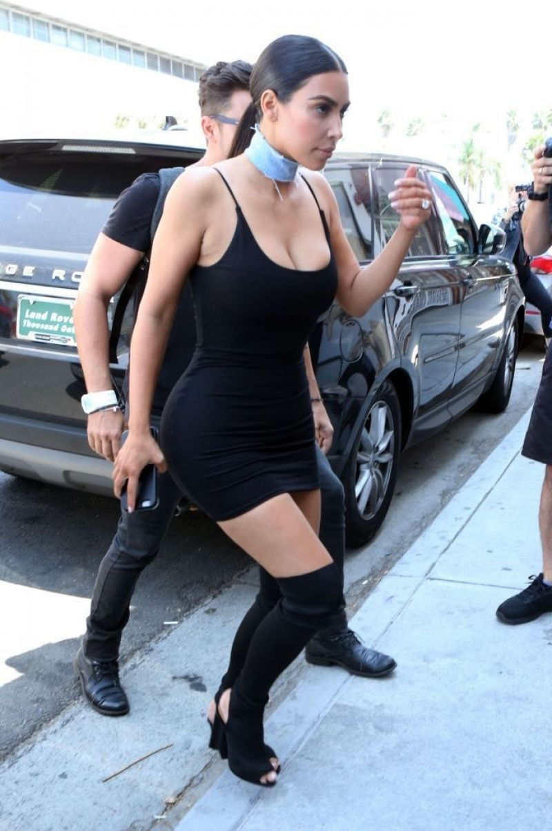 Dress black kim kardashian - Kim Kardashian In Black Privacy Please Dress At The Revolve La Social Club 8 10 2016