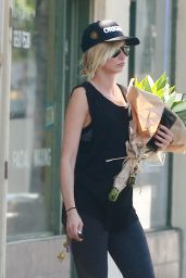 Kimberly Stewart - Out in Los Angeles 8/6/2016