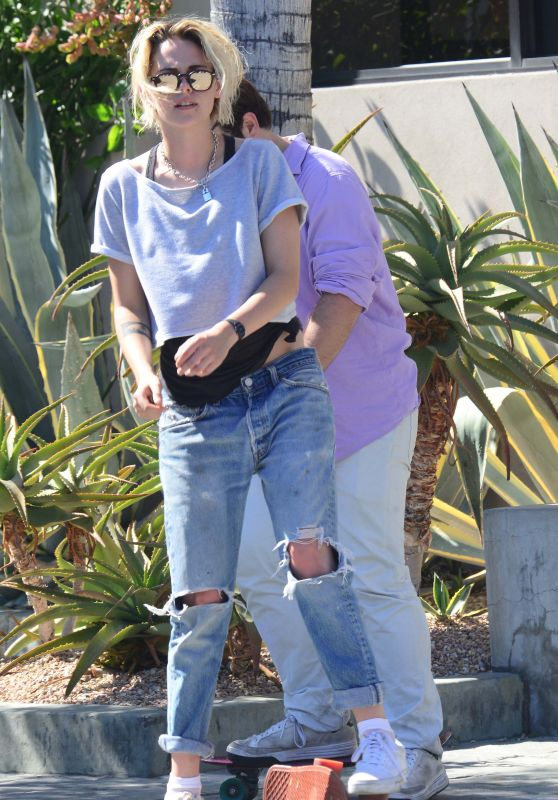 Kristen Stewart in Ripped Jeans - West Hollywood 8/18/2016