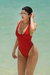 Kylie Jennerin Red Swimsuit in Turk and Caicos, August 2016