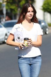 Lana Del Rey Casual Style - Out at Melrose Place in West Hollywood, CA 8/29/2016