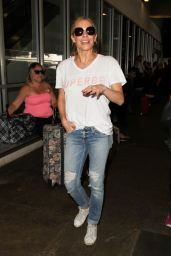 LeAnn Rimes at LAX Airport 8/15/2016