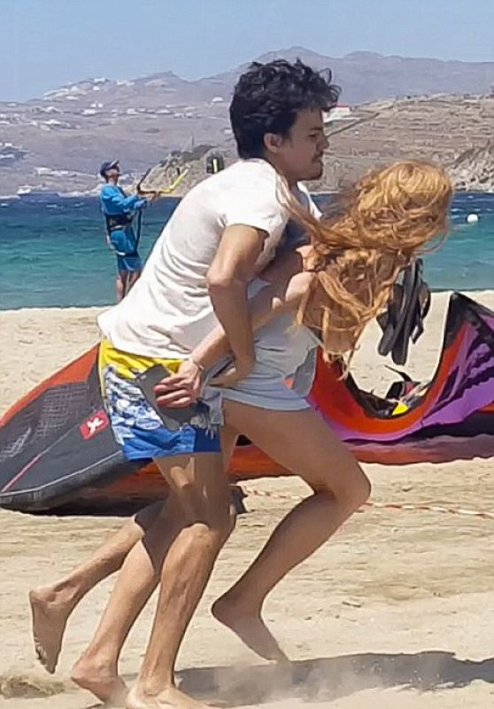 Lindsay Lohan - Fighting at the Beach 8/5/2016