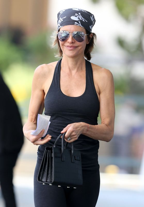 Lisa Rinna - Out in Sherman Oaks 8/22/2016