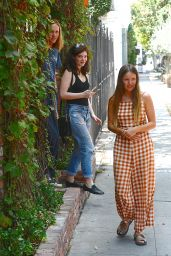 Lorde Visit Melrose Place to do Some Shopping at Marni 08/05/2016