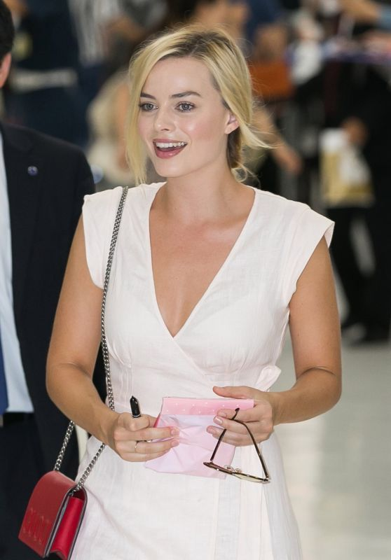 Margot Robbie - Arriving in Japan 8/24/2016