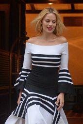 Margot Robbie - Leaves Her Hotel in New York City 8/1/2016
