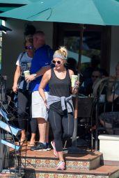 Miranda Lambert Street Style - at Urth Cafe in West Hollywood 8/3/2016