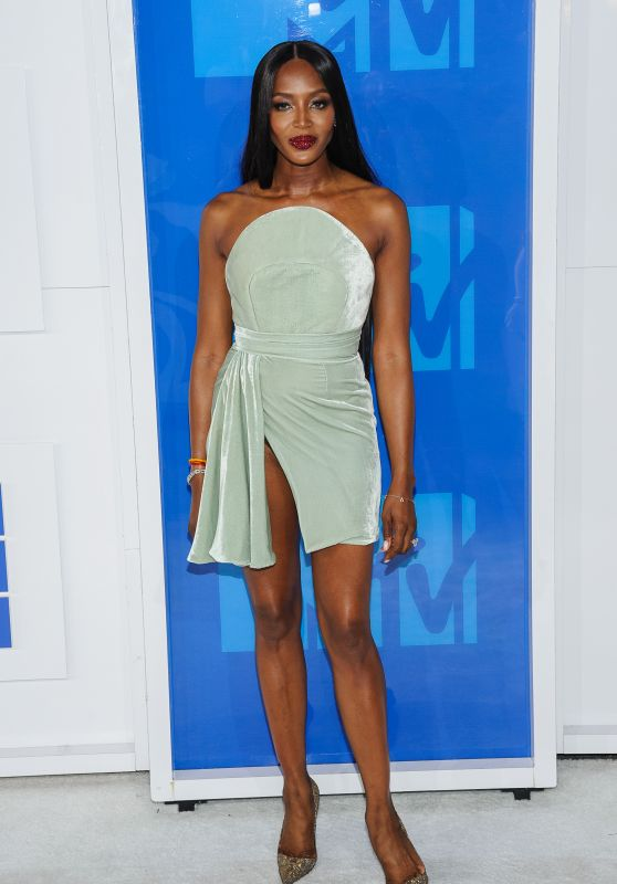 Naomi Campbell – MTV Video Music Awards 2016 in New York City 8/28/2016