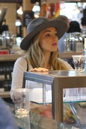 Natalie Alyn Lind Summer Street Style - Shopping in Vancouver 8/7/2016