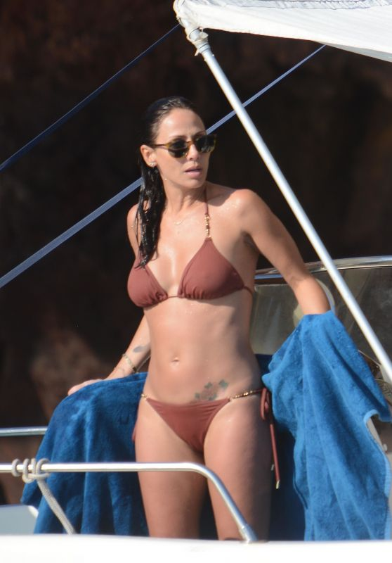 Natalie Imbruglia in Bikini on a Boat in Sicily, August 2016