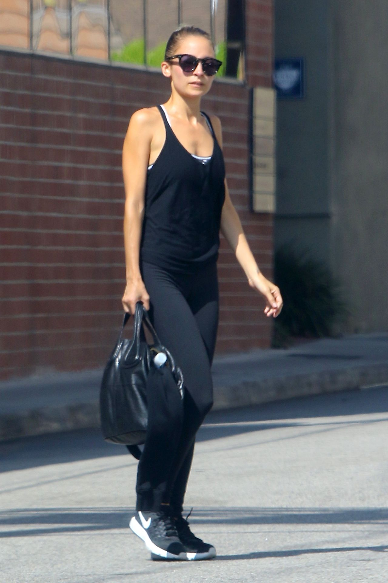 Nicole Richie Arriving For Her Morning Workout In Studio City 8 11
