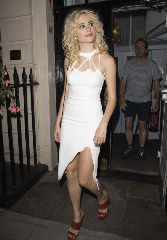 Pixie Lott - Leaving the Hayemarket Theatre in London 8/29/2016