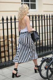 Pixie Lott Street Fashion - London 08/05/2016