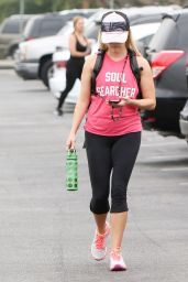 Reese Witherspoon - Leaving the Gym in Los Angeles 8/26/2016