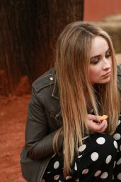 Sabrina Carpenter - Adam, Ash and the Wildlife Park in Sydney, August 2016