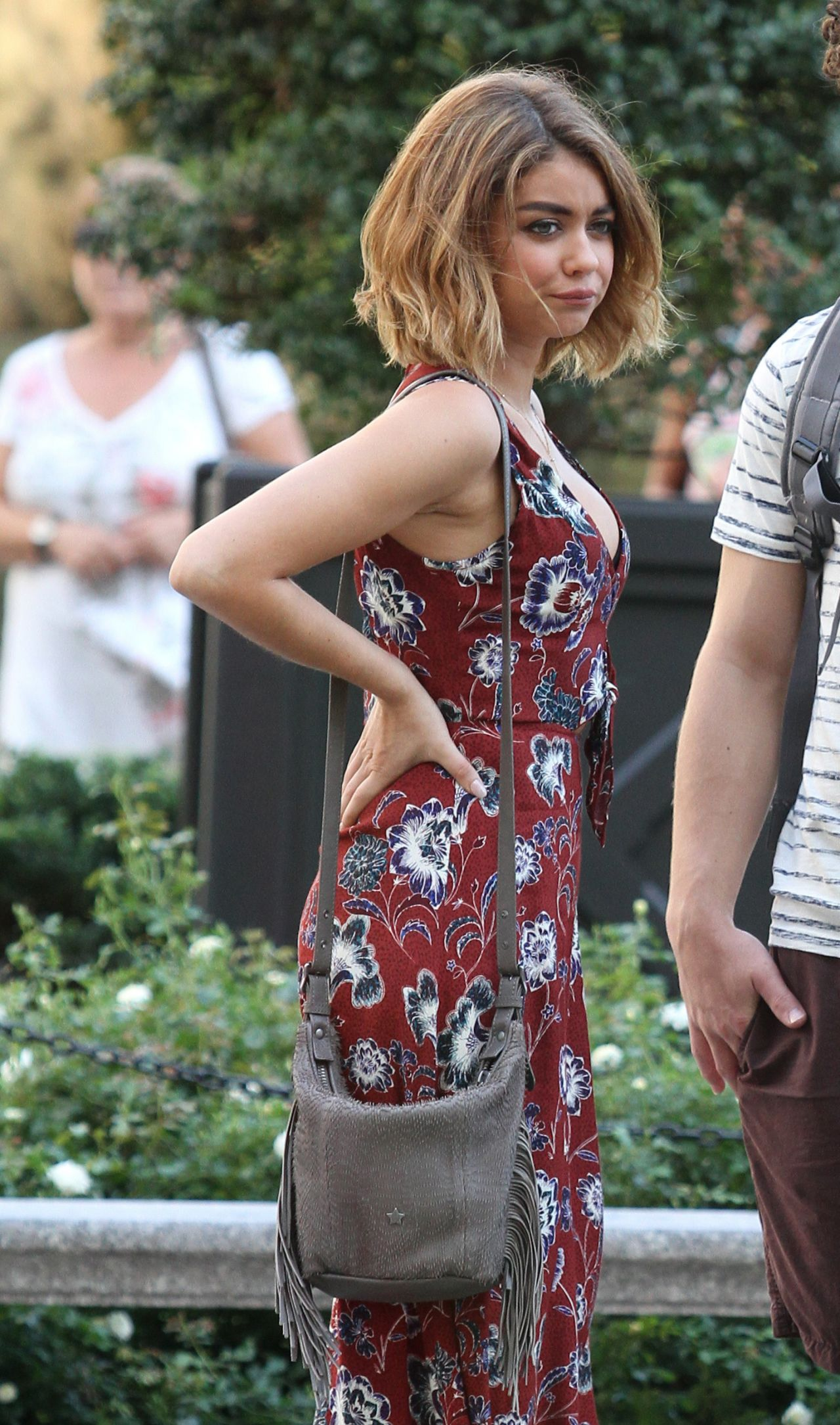 Audi Los Angeles >> Sarah Hyland - 'Modern Family' Set in Los Angeles 8/25/2016