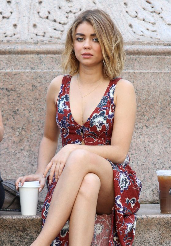 Sarah Hyland - 'Modern Family' Set in Los Angeles 8/25/2016