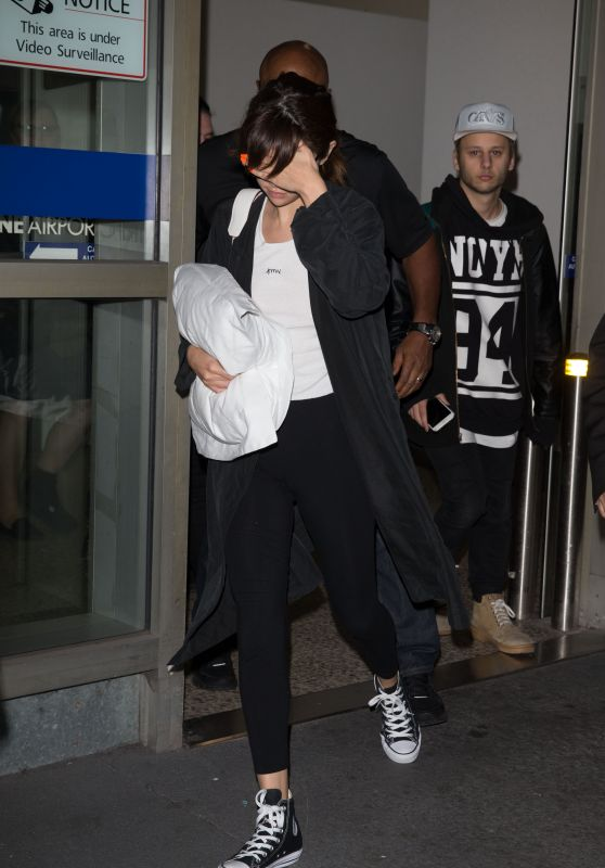 Selena Gomez - Arriving at Tullamarine Airport in Melbourne 8/5/2016