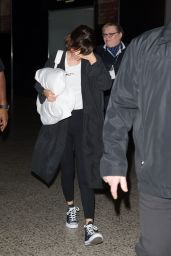 Selena Gomez - Arriving at Tullamarine Airport in Melbourne 8/5/2016