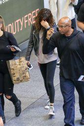Selena Gomez at Brisbane Airport, Australia 8/12/2016