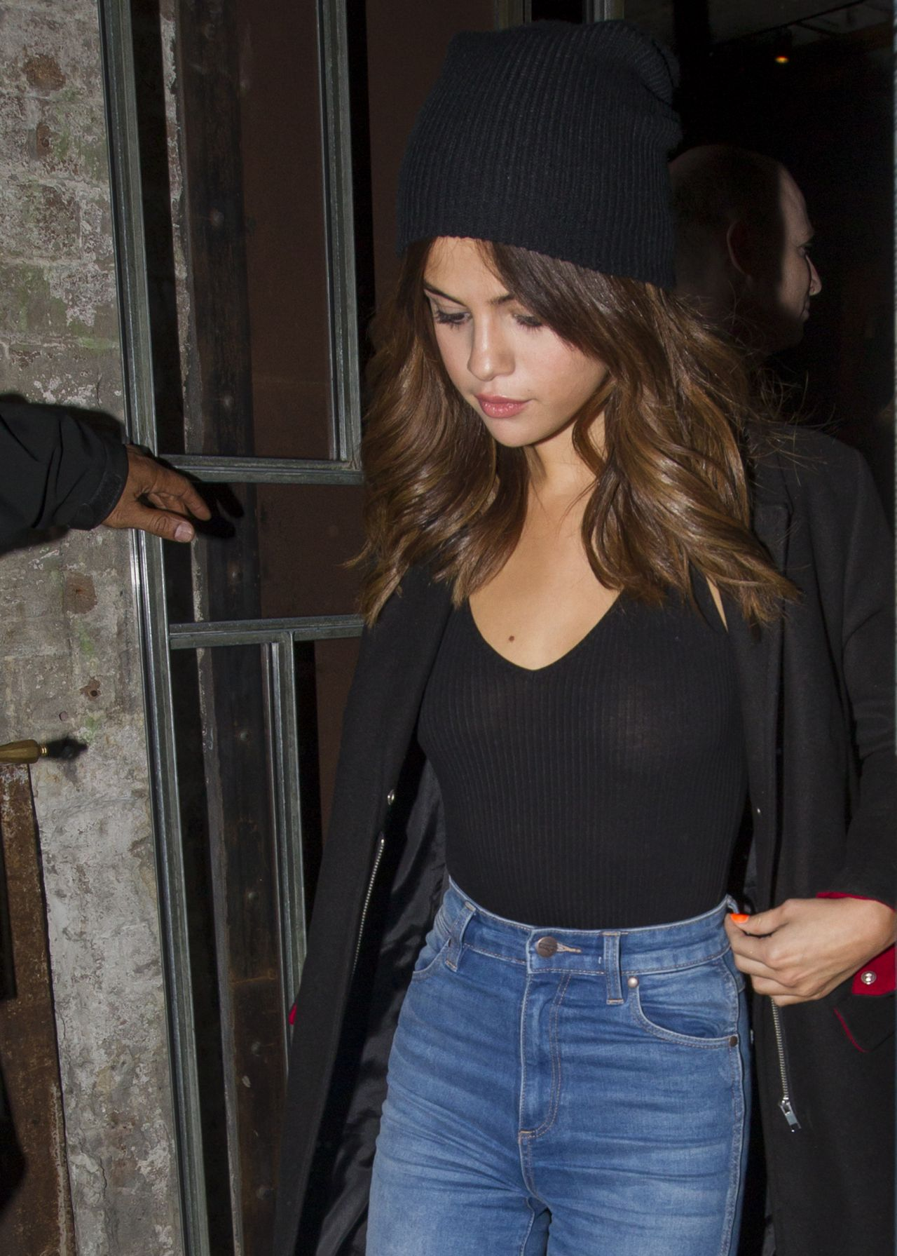 Selena Gomez Leaving A Chinese Restaurant In Sydney 8 8 2016