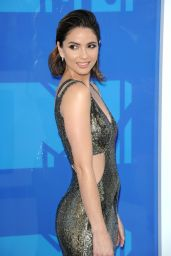 Shelley Hennig – MTV Video Music Awards 2016 in New York City 8/28/2016