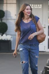 Sofia Vergara in Ripped Jeans - Leaving the Epione Cosmetic Clinic in LA, August 2016