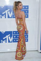 Stella Maxwell – MTV Video Music Awards 2016 in New York City 8/28/2016