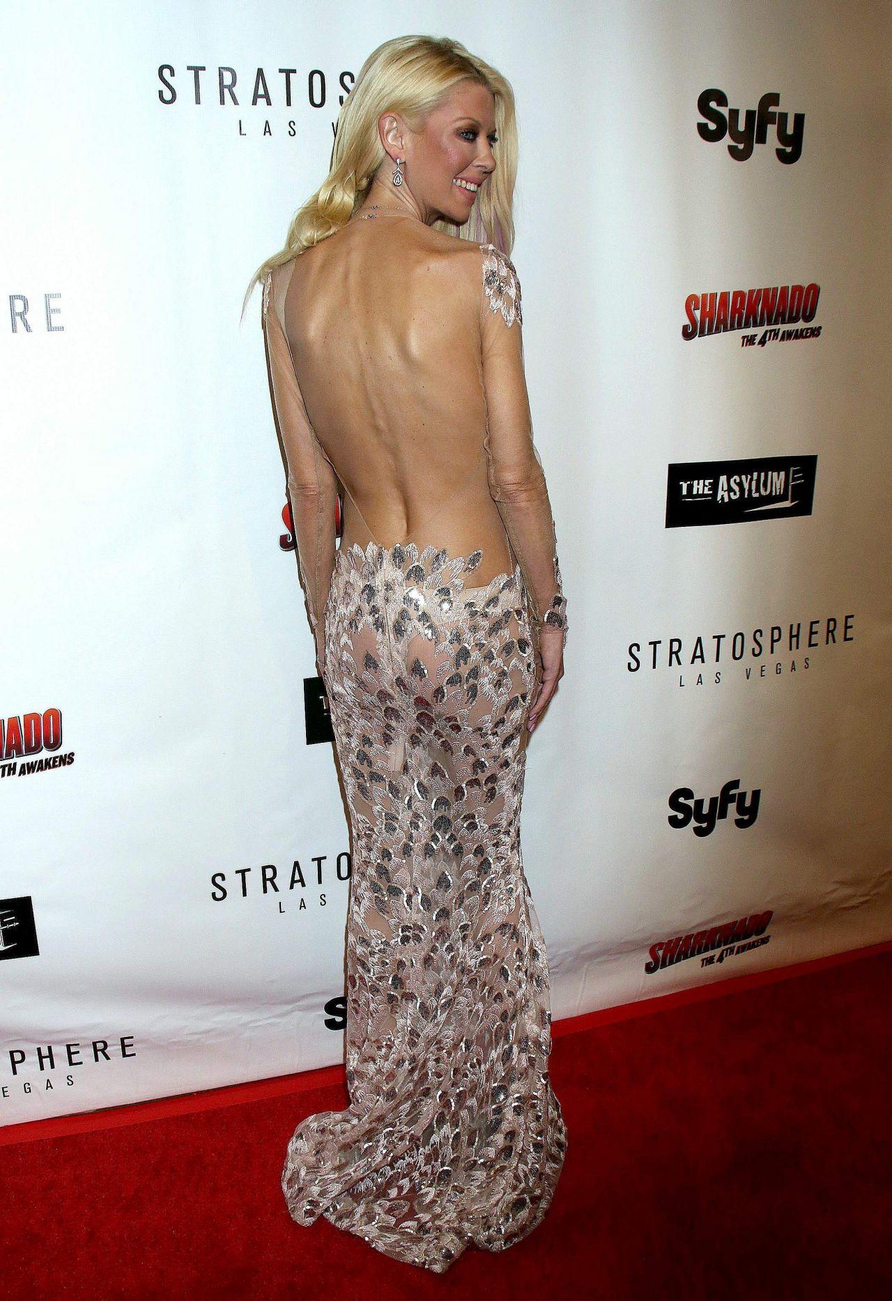 Tara Reid Sharknado The 4th Awakens Premiere In Las Vegas