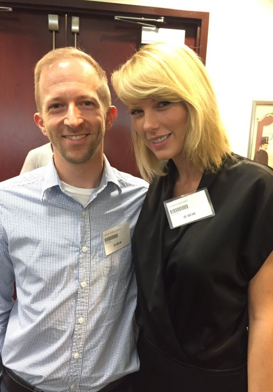 Taylor Swift at Jury Duty in Nashville, Tennessee 8/29/2016
