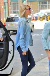 Taylor Swift in Leggings - Outside of Her Gym in NYC 8/31/2016