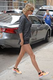 Taylor Swift Shows Off Her Legs - Morning Visit to Gym in NYC - 08/10/2016