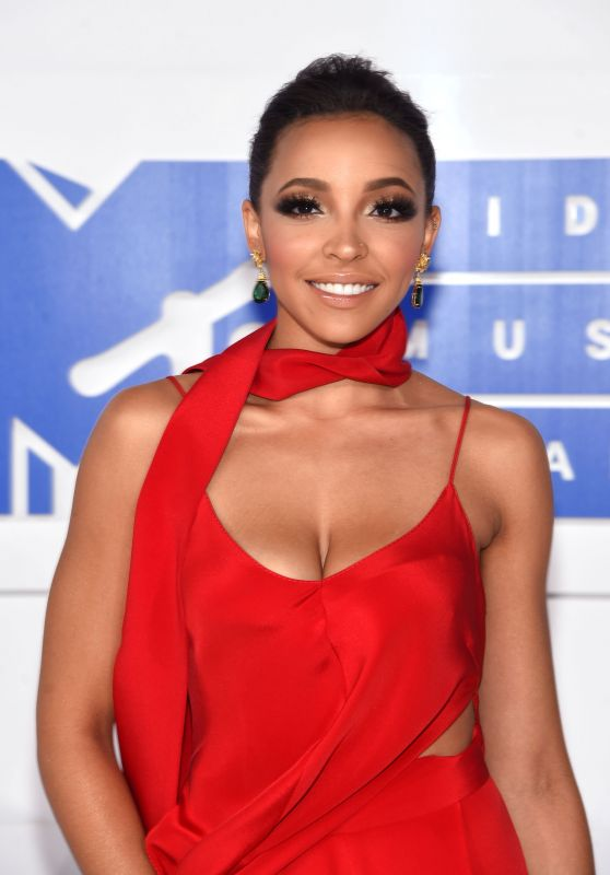 Tinashe – MTV Video Music Awards 2016 in New York City 8/28/2016