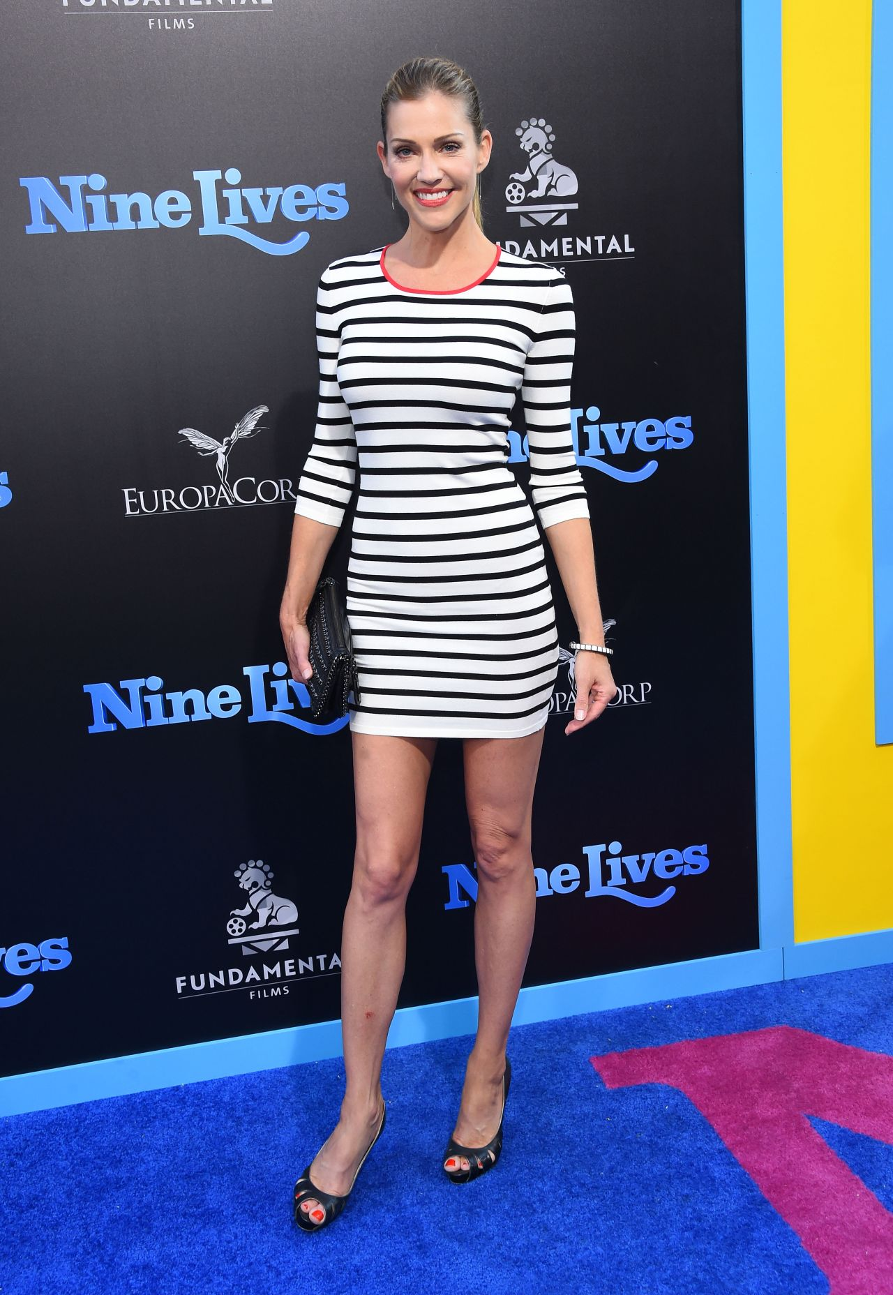 Tricia Helfer Nine Lives Premiere In Hollywood 8 1 2016