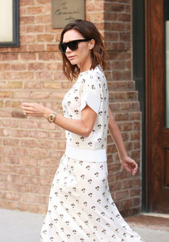 Victoria Beckham is Looking All Stylish While Leaving Her Hotel in NYC 8/5/2016