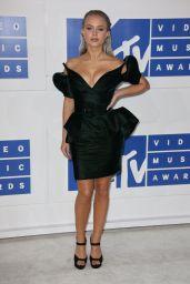 Zara Larsson – MTV Video Music Awards 2016 in New York City 8/28/2016
