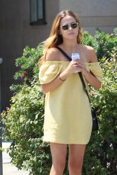 Zoey Deutch Cute Outfit Ideas - Outside a Nail Salon in Beverly Hills 8/24/2016