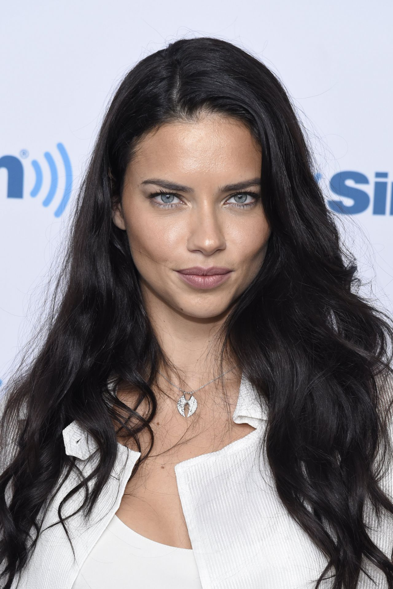Adriana Lima Siriusxm Studio Event In Nyc 9 7 2016