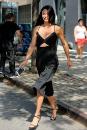 Adriana Lima Style - Leaving a Victoria
