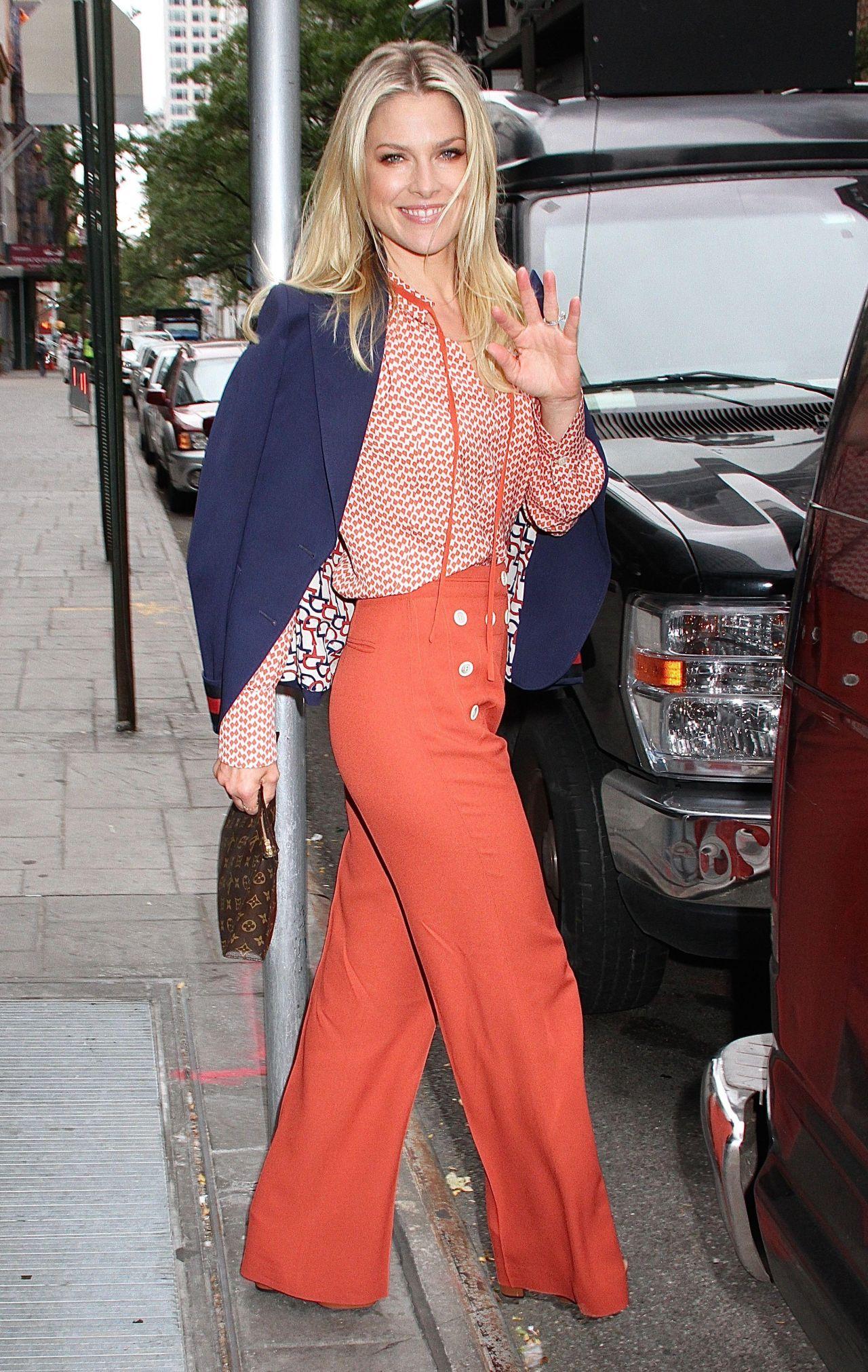 Ali Larter Leaving Good Day New York In New York City