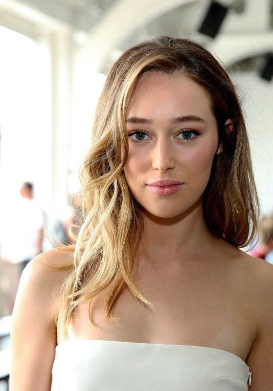 Alycia Debnam-Carey - Dion Lee Show at New York Fashion Week 9/10/2016