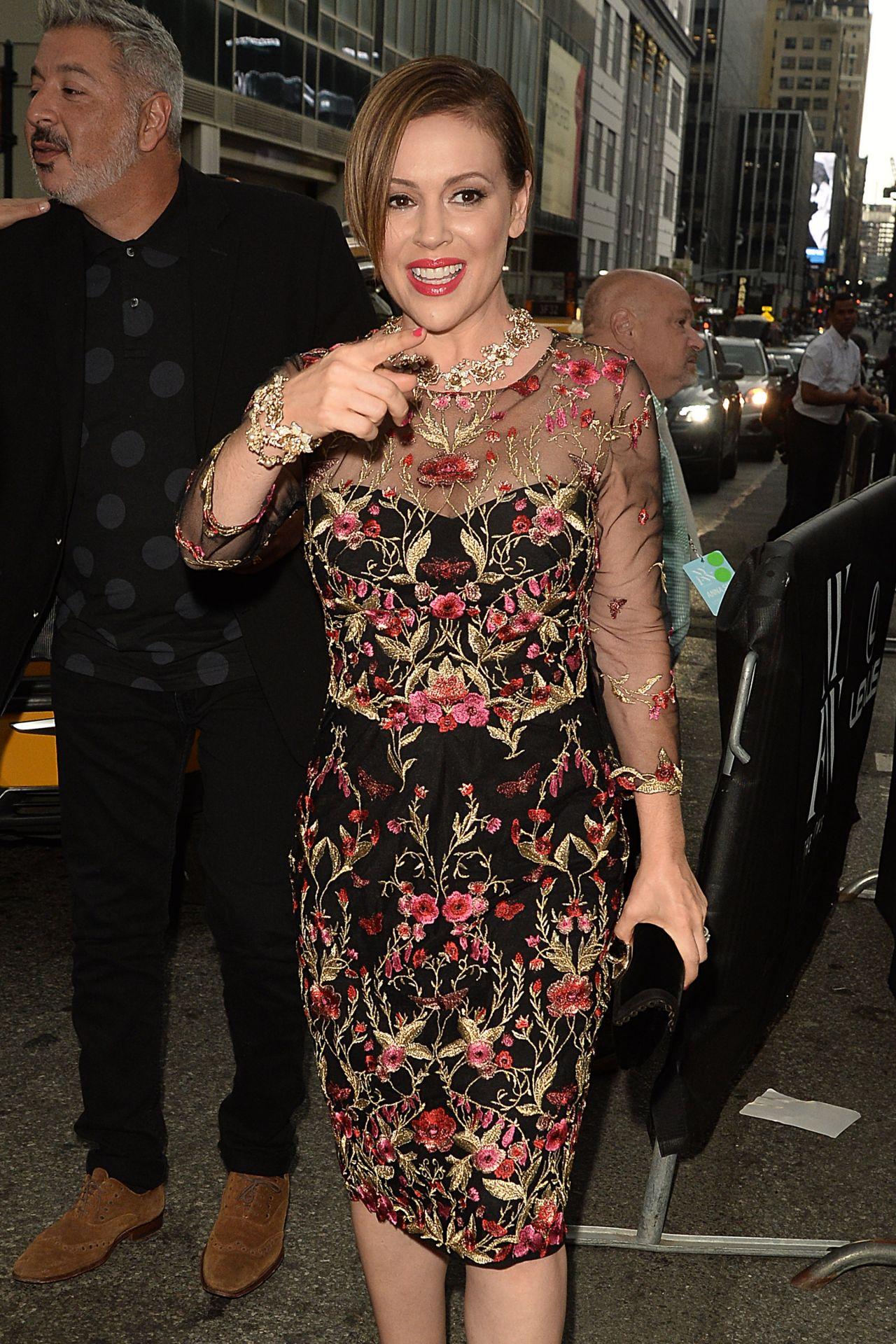 celebrities trands alyssa milano the marchesa spring