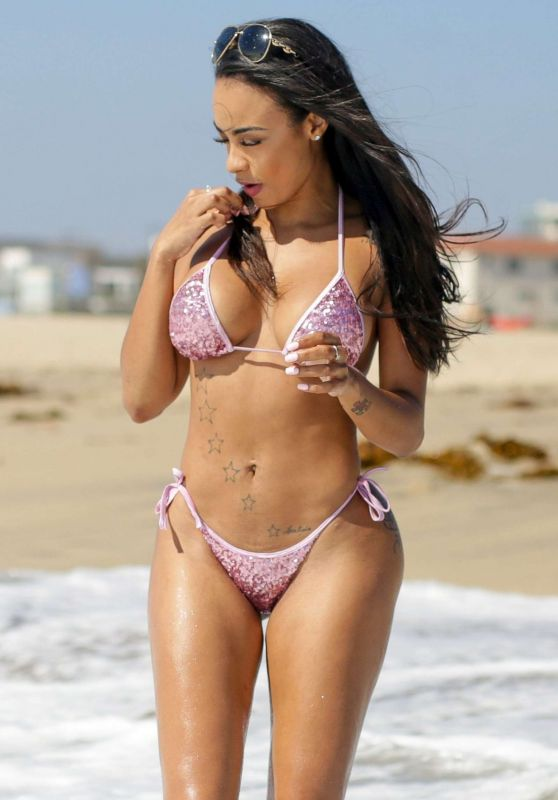 Analicia Chaves Bikini Photos- Los Angeles 9/12/2016