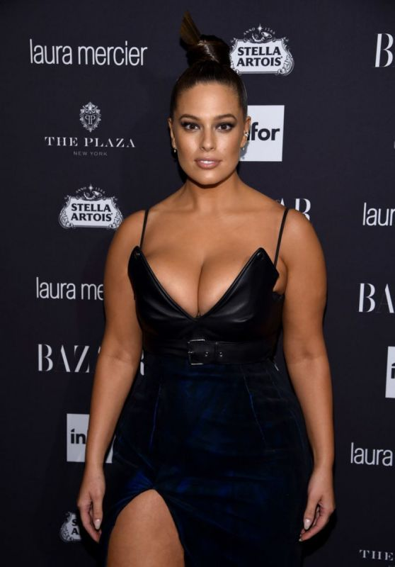 Ashley Graham – Harpers Bazaar Icons Party 09/09/2016