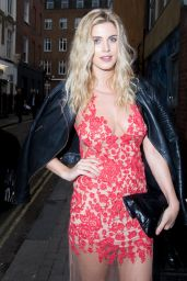 Ashley James at the Impulse Changing Room, a Pop-up For Reinvention in London 9/6/2016
