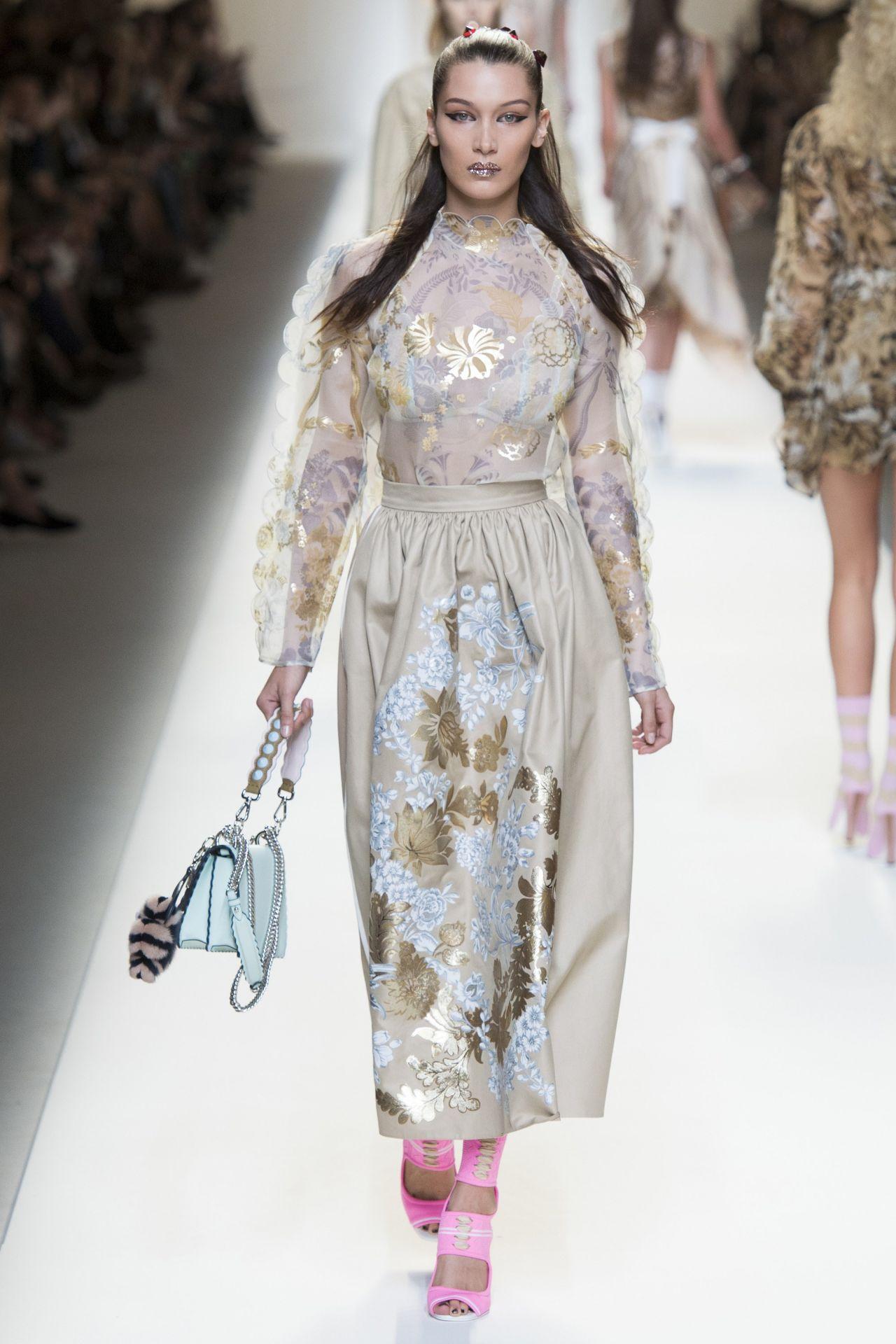 Fashion Latest Gul Ahmed Summer Designs: Fendi Show At Milan Fashion Week, September 2016