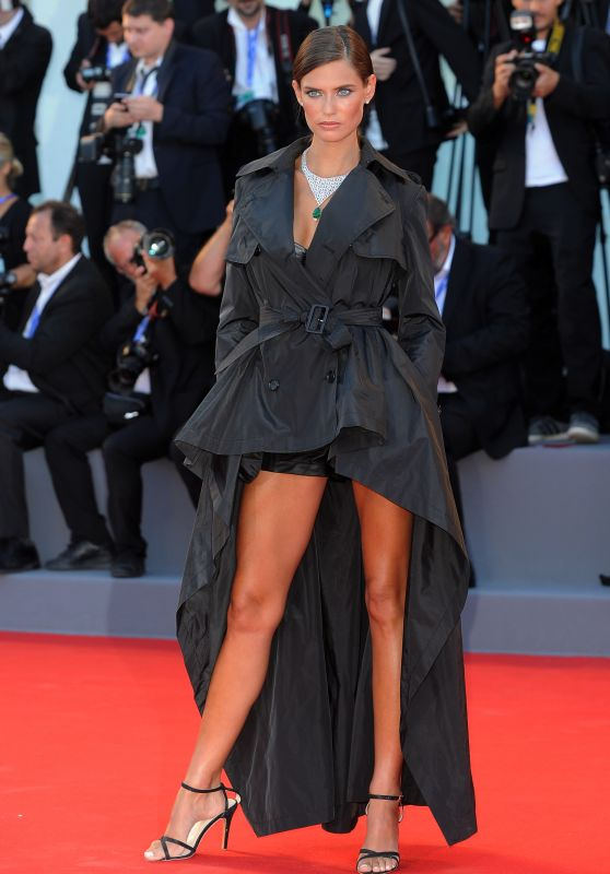 Bianca Balti – Opening Ceremony and 'La La Land' Premiere – Venice Film Festival 2016