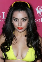 Charli XCX - Foxtail SLS SoBe 21st Birthday Bash & Pool Party in Vegas 09/03/2016