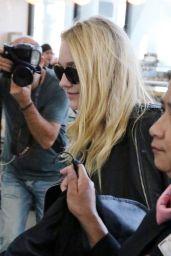 Dakota Fanning at the Toronto Airport 09/13/2016